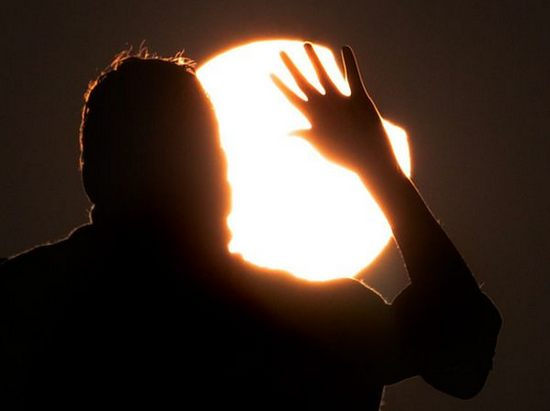 first-partial-solar-eclipse-2011-05.jpg
