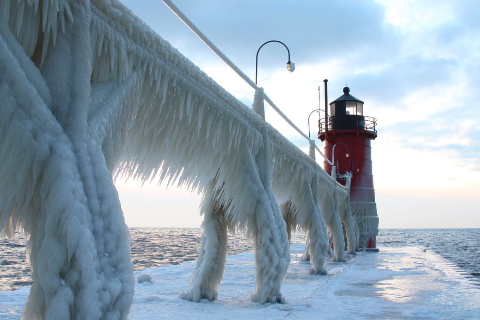 frozen-michigan-pier.jpg